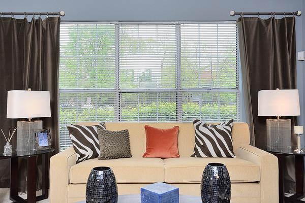 eaves Fair Lakes - Living Room