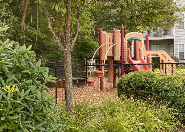 Avalon Oaks West - Playground