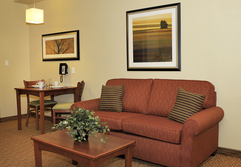 Living and Dining - MainStay Suites Winnipeg