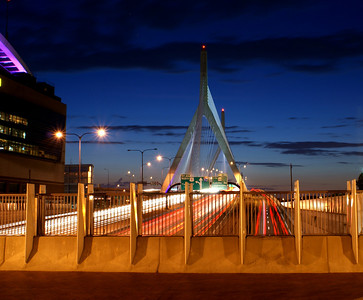 Streaking over the Zakim: I had to try this...I stood over the southern approach to the Zakim Bridge facing north at dusk. I used a along exposure...here's the result