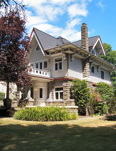1628 SE Ladd Street - In 1908 Myrt Donahae had Alfred Faber design a grand home for himself in Piedmont (5125 NE Garfield).  He sold it after a year, and in 1909, built this home with lots of distinctive Faber touches.  The connection to Faber and the distinctive architecture are too strong to avoid an attribution of this design to Faber also.