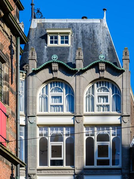 Dagelijkse Groenmarkt 33, Art Nouveau Architecture