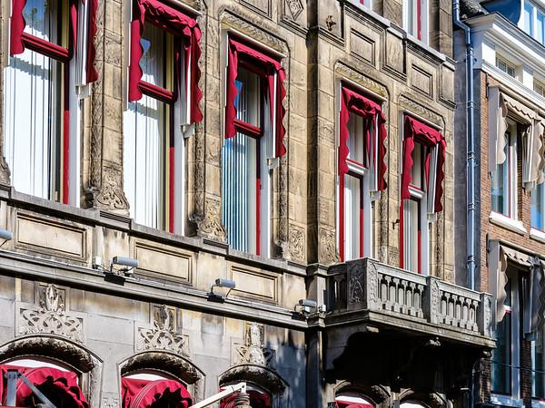 Plein 20, Art Nouveau Architecture