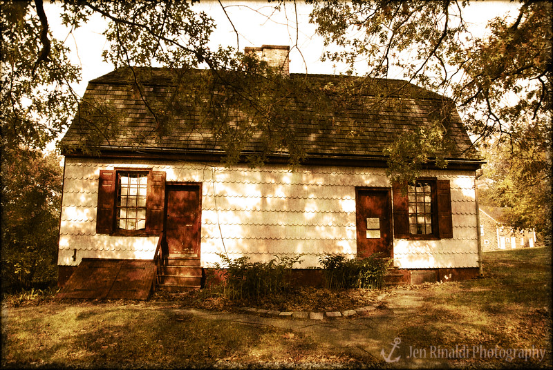 Johnson Ferry House - This early 18th-century gambrel roof farmhouse and tavern near the Delaware River was owned by Garret Johnson, who operated a 490-acre colonial plantation and a ferry service across the river in the 1700s. The house was likely used briefly by General Washington and other officers at the time of the Christmas night crossing of the Delaware. The keeping room, bedchamber and textile room are furnished with local period pieces, probably similar to the furniture used by the Johnson family from 1740 to 1770. The site also includes an 18th-century kitchen garden.