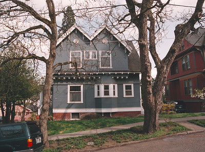 Once believed to have been an Emil Schacht design, it is now known that this house was designed in 1903 by William Knighton