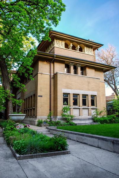 The Heller House (Architect: Frank Lloyd Wright)