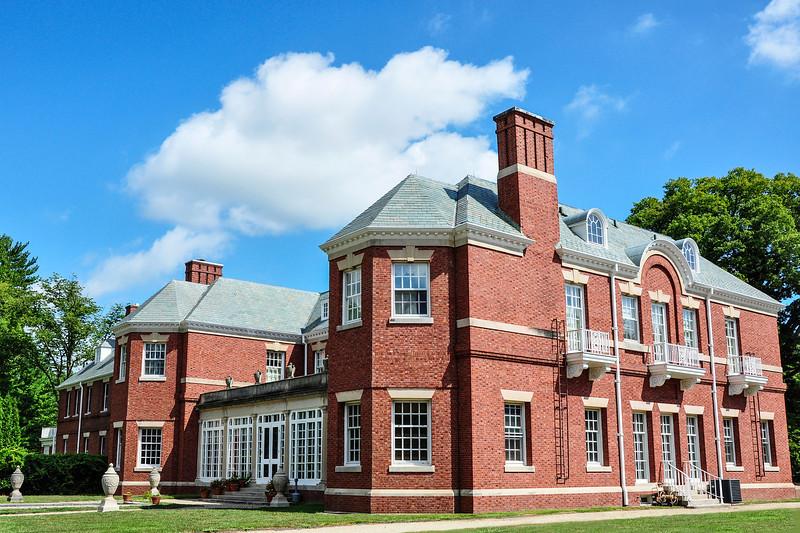 The Robert Allerton House (Architect: John Borie)