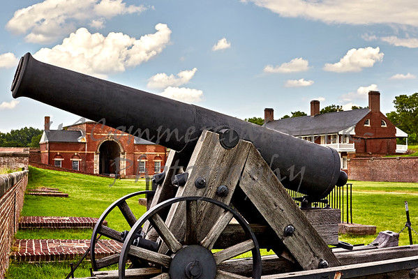 Cannon at Fort Washington