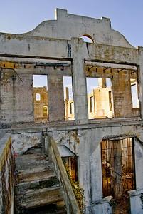 Alcatraz - The Lights are on ...