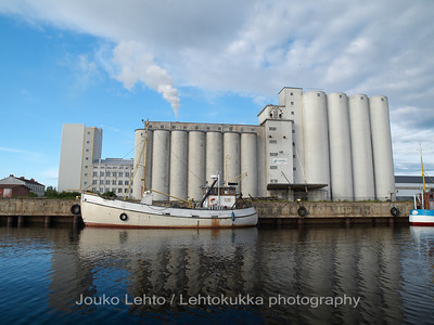 Grain silos and mill of SOK (Kultasula)