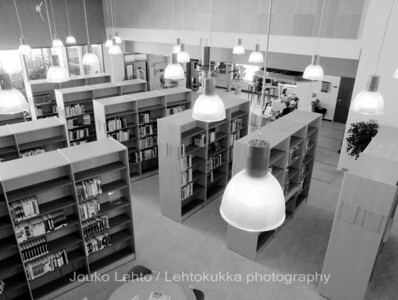 Raahen korkeakoulukirjasto - Raahe Library of Engineering and Business. Oulun seudun ammattikorkeakoulu - Oulu University of Applied Sciences. Interior design of library Sanni Juslén.