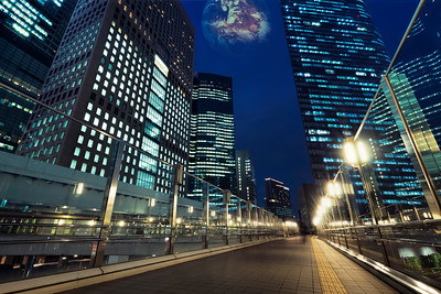 tokyo-at-night-shimbashi-walkways