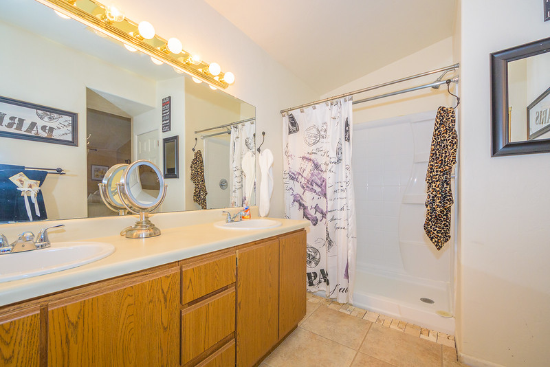 034 - 1751 W  Newhall Drive