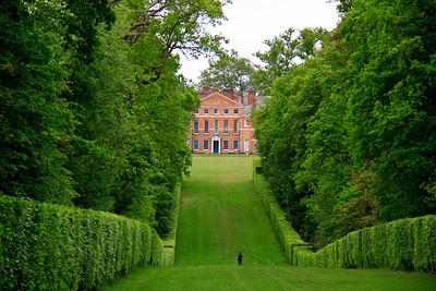 Gardens at St Paul's Walden Bury.