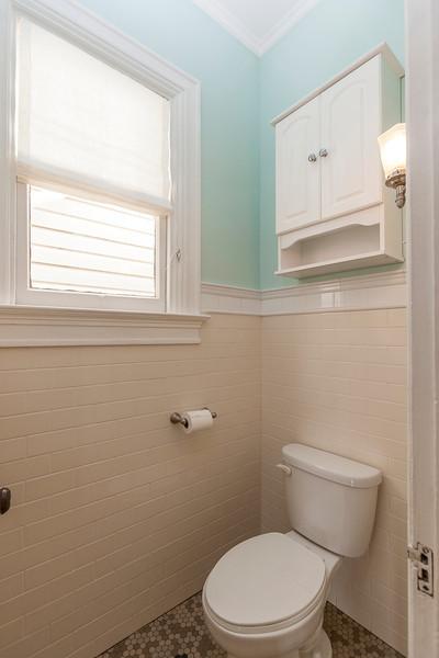 278 Missouri Street Toilet Room
