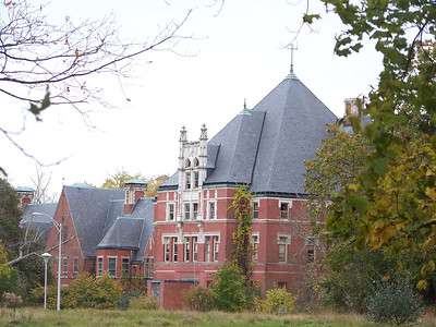 The former Administration Building at the Norwich State Hospital grounds taken in October of 2008.