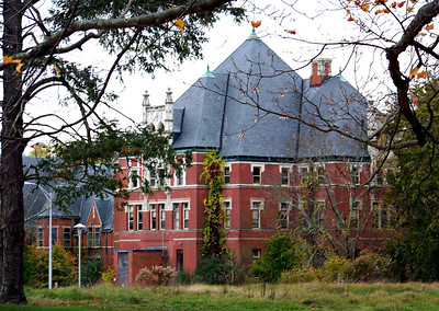 Administration Building with the Salmon Building to the left at the former NSH grounds; shot in 10/2008.