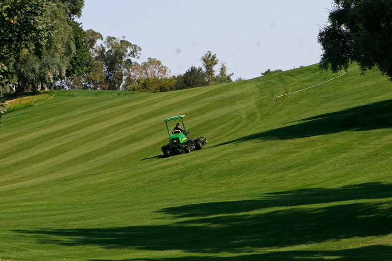 Most of the grounds are devoted to a nine hole golf course that can be played as 18 defferent holes