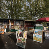 Les Bouquinistes (book stalls along the Seine)