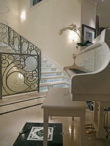 Bon_Stair2D