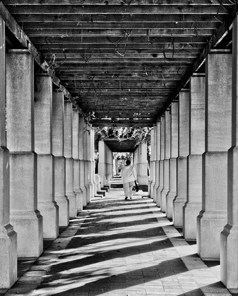 Colonnade, P&G Courtyard, Cincinnati CB-112