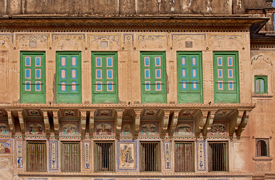 the facade of an Indian house in Mandawa, India