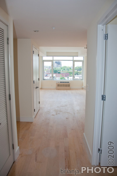 Hallway --> Living Room