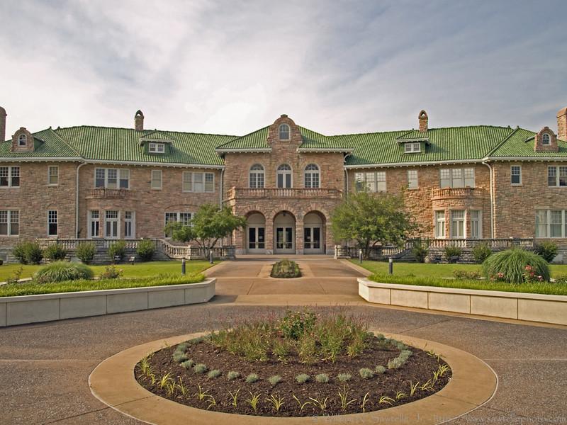 Memphis 'Pink Palace' Museum