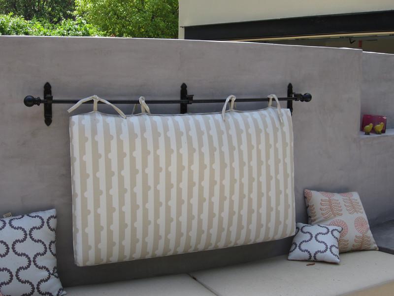 Pillow rod - Sniesko residence, Pasadena, CA