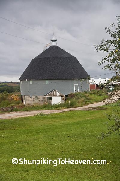 Gray Round Barn, Winona County, Minnesota
