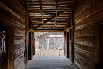 Dogtrot of Will Reed Farmhouse - Alleene, AR