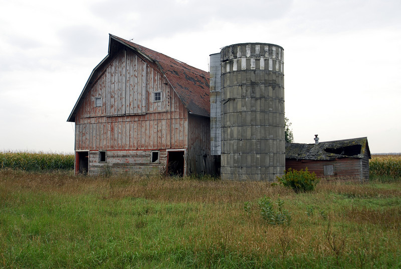 Old worn out barn - Southern Minnesota
