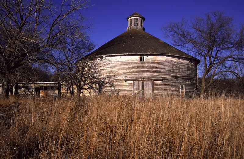 Old round barn near New Ulm, MN