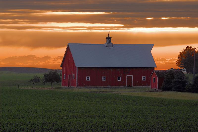 Sunset Barn - Sibley Co.