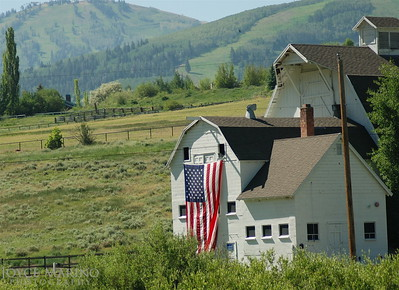 Barn with American flag in Park City, UT -- DSC_0488