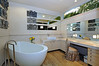 100_Laurel_Ave_HerBathroom