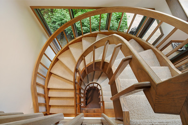 249_Shore_Acres_Circle_Staircase