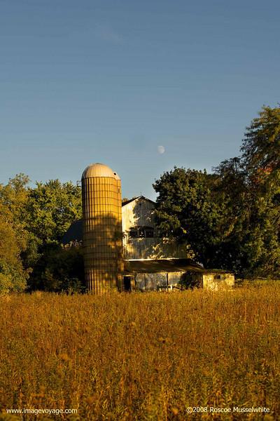 Barn-and-Moon-1008