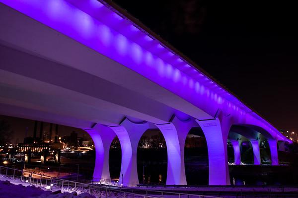 Viking 35W Bridge