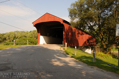 Covered bridge in St Jacobs, Ontario, Canada -- DSC_2826.