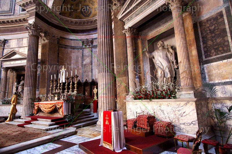 Main Alter, The Pantheon (Church of St. Mary and the Martyrs)
