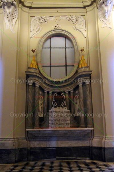 Monument of Cardinal Acquaviva