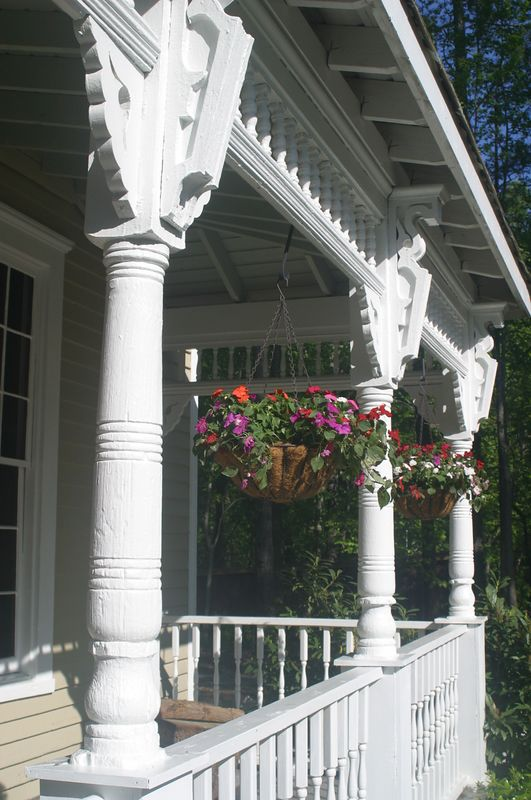 The other side of the front porch of the Summerour House.