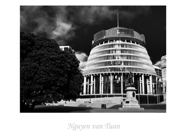 Beehive Wellington New Zealand - Aug 07