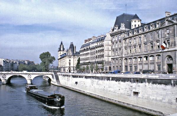 Prefecture de police Paris France - Oct 1978