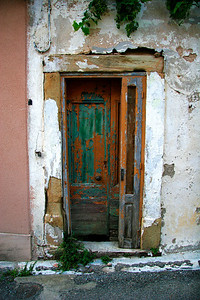 Old door, Montseret France 2007