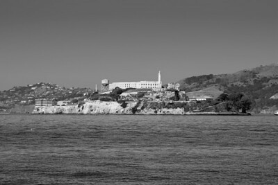 Alcatraz and Angle island to the right, Sausalito to the left, taken from Pier 39 on the San Francisco bay