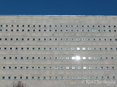 Stock - Small windows on the National Archives building in Ottawa.  © Rob Huntley
