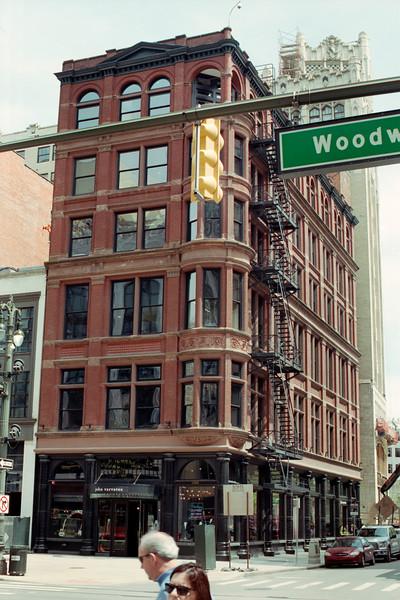 1500 Woodward