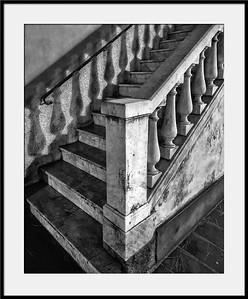 Treppenaufgang bei Nacht